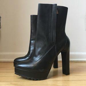 ZARA Rare Super High Platform Zipper Ankle Boots